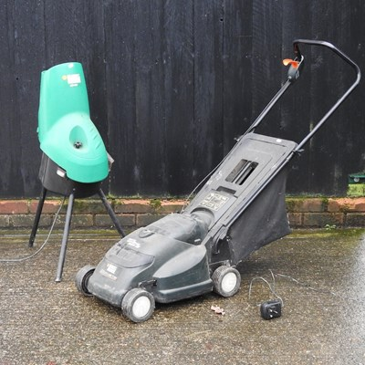 Lot 17 - A Black & Decker electric lawnmower