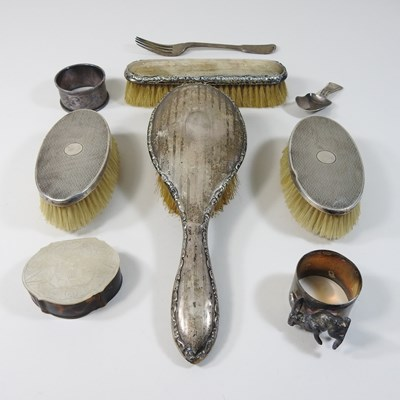 Lot 3 - A collection of early 20th century silver mounted dressing table items