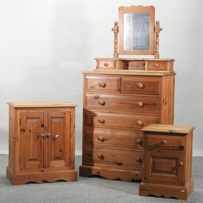 Lot 47 - A modern pine chest of drawers