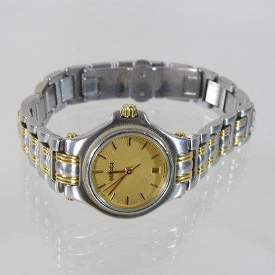 Lot 2 - A Gucci bi-metal ladies wristwatch