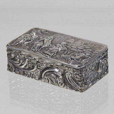 Lot 1 - An early 20th century silver snuff box