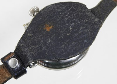 Lot 9 - A World War I military trench wristwatch