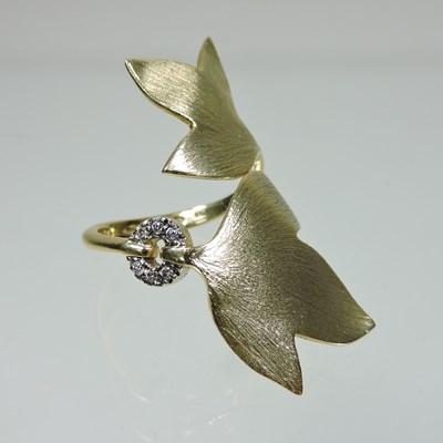 Lot 56 - An H Stern 18 carat gold and diamond Hera designer ring