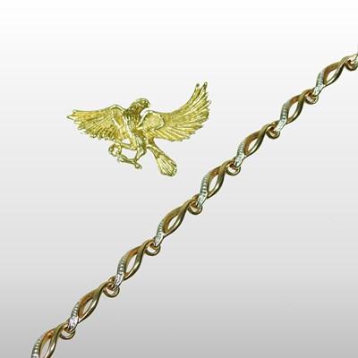 Lot 58 - A Urart 18 carat gold brooch