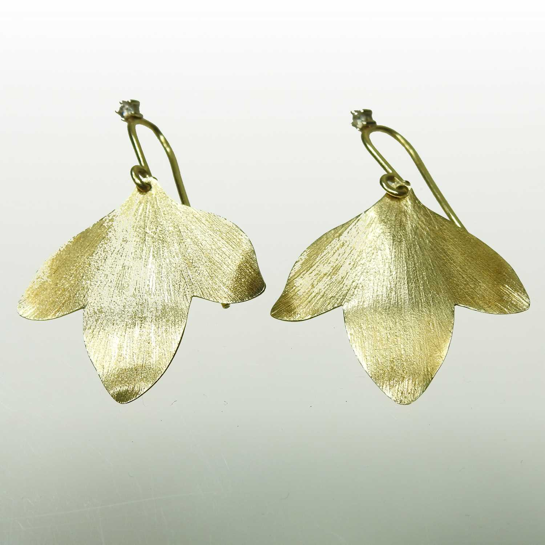 Lot 15 - A pair of H Stern Brazilian 18 carat gold Hera designer earrings