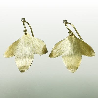 Lot 15 - A pair of H Stern Brazilian 18 carat gold Hera designer earrings